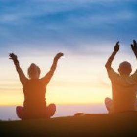 Beneficis del ioga per a la gent gran