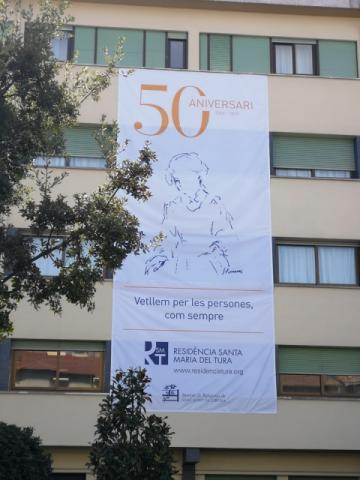 Lona 50 aniversari Residència Santa Maria del Tura